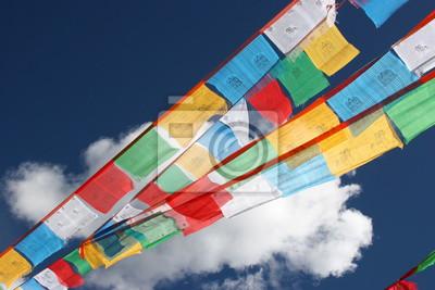 Tibetische Gebetsflaggen Fliegen im Wind