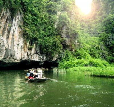 Fototapete Touristisches Boot der beliebteste Ort in Vietnam.