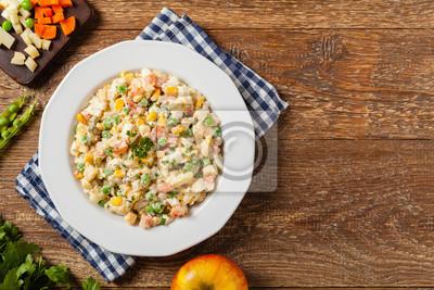Traditioneller Salat Mit Gekochtem Gemüse Mit Mayonnaise Fototapete