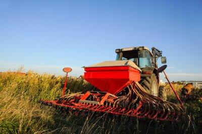 Fototapete Traktor mit Sämaschine auf dem Feld
