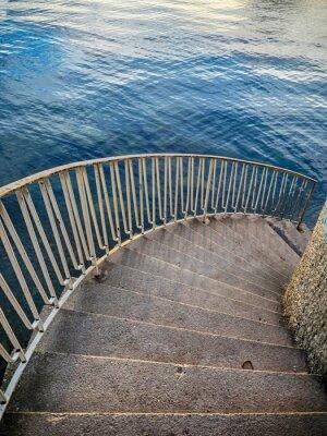 Fototapete Treppen im Erdgeschoss zum Wasser