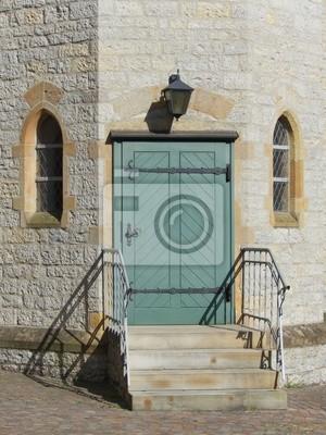 Treppenaufgang Tür treppenaufgang zu einer grossen grünen tür in der bartholomäuskirche