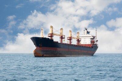 Fototapete Trockene Frachtschiff schwimmt auf dem Meer