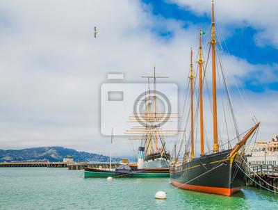 two schooners docked fototapete fototapeten holz. Black Bedroom Furniture Sets. Home Design Ideas