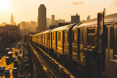Fototapete U-Bahn in New York bei Sonnenuntergang