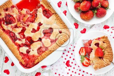 Valentinstag Dessert Idee Erdbeer Torte Mit Herz Dekoration