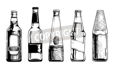 Fototapete Vector Reihe von Bierflaschen in Tinte Hand gezeichneten Stil. Isoliert auf weiß.