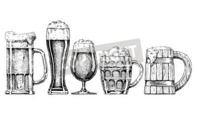 Fototapete Vector Satz von Bier Gläser und Tassen in Tinte Hand gezeichnet Stil. Isoliert auf weiß.
