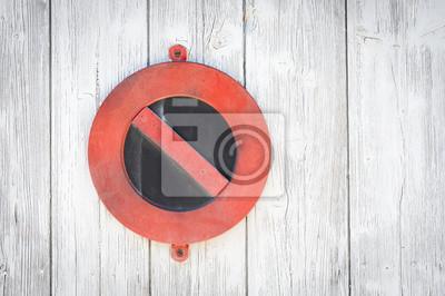 Verbot sur porte en bois
