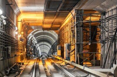 Fototapete Verlassen der U-Bahn-Tunnel