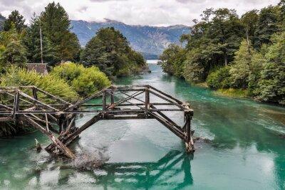 Fototapete Verlassene Brücke, Straße der sieben Seen, Argentinien