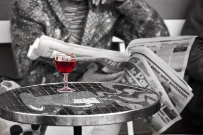 Fototapete Verre de vin dans un Bistro - Paris, Frankreich