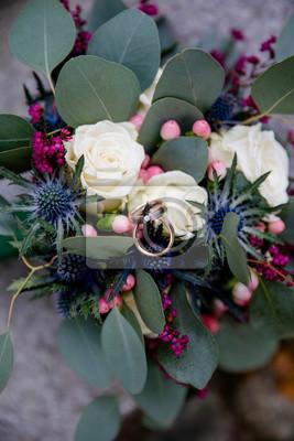 Vintage Brautstrauss Mit Eukalyptus Fur Hochzeit Fototapete