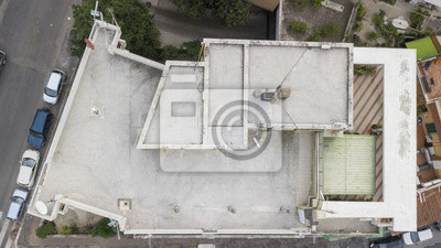 Vista aerea perpendicolare del tetto eines un palazzo. sopra ...
