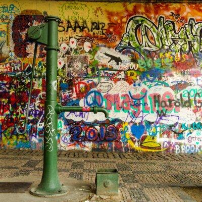 Fototapete Water Well und eine Graffiti-Wand