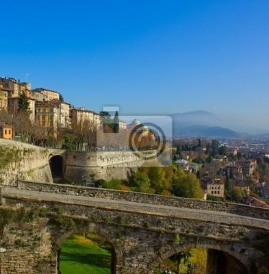 Fototapete Weg zur Oberstadt Bergamo, Italien
