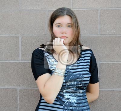 Fototapete Weibliche Schönheit Mode Modell Ausdrücke im Freien.