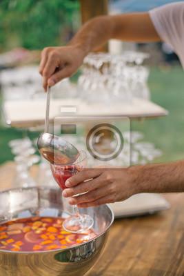 Wein Essen Glas Restaurant Tisch Trinken Frau Hand Alkohol