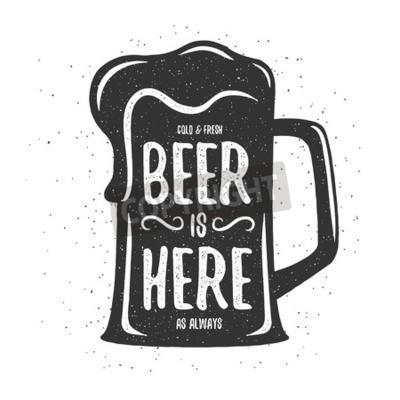Fototapete Weinlesebierdruck. T-Shirt, Plakatentwurf. Kaltes und frisches Bier ist hier wie immer. Abbildung.