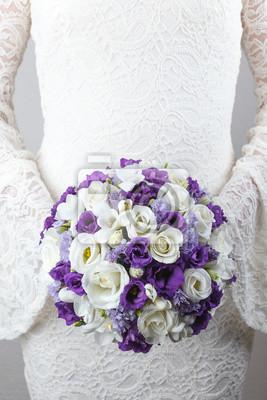 Weiss Und Lila Hochzeit Bouquet Von Rosen Freesien Und Lisianthus