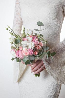 Weiss Und Rosa Hochzeitsstrauss Der Rosen Und Lisianthus Blumen