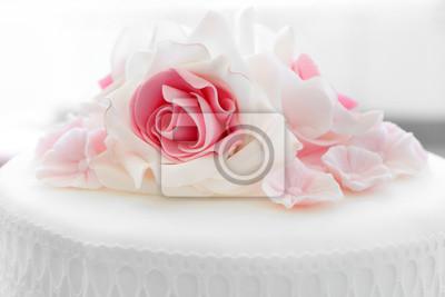 Weisse Hochzeitstorte Mit Rosa Rosen Fototapete Fototapeten Schone