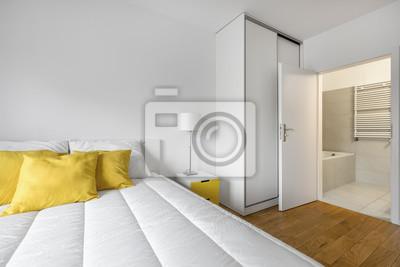 Weißes schlafzimmer mit bad fototapete • fototapeten Bettdecke ...