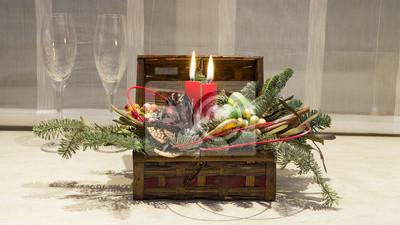 Winter Dekoration Box Mit Kerzen Und Weingläser Fototapete