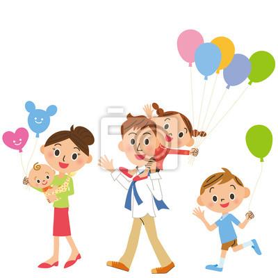 風船 を 持つ 家族 集合