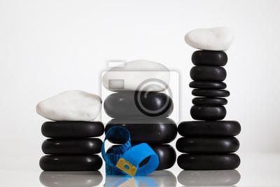 schwarze Kieselsteine für Wellness-Massage