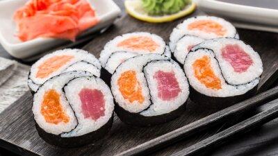 Fototapete Yin Yang Futomaki mit Thunfisch und Lachs