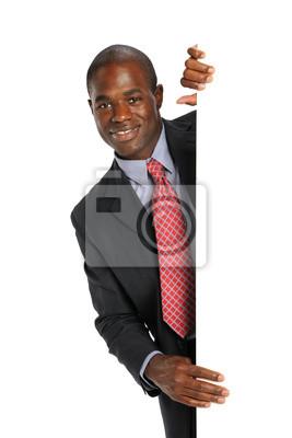 Young African American Geschäftsmann hält eine leere Zeichen