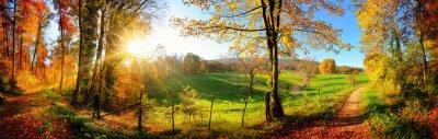 Fototapete Zauberhafte Landschaft im Herbst: sonniges Panorama von ländlicher Idylle