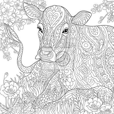 Zentangle stilisierte cartoon weide kuh, blume blühen, gras-feld ...