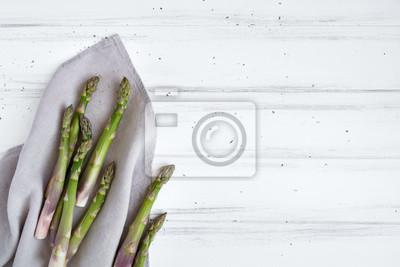 Zutaten Zum Kochen Frischer Spargel Auf Leinentuch Auf Weißem