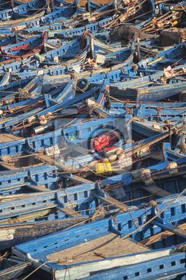 Alte rostige Fischerboote im Hafen von Essaouira, Marokko