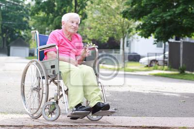 Poster Ältere Frau im Rollstuhl