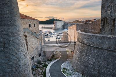 Altstadt von Dubrovnik, Kroatien mit Blick auf den Hafen