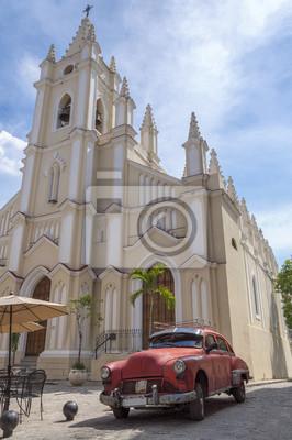 Amerikanisches rotes Auto in Havanna, Kuba