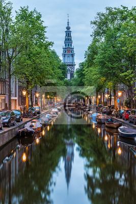 Poster Amsterdam City, beleuchtetes Gebäude und Kanal in der Nacht, Niederlande