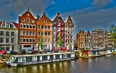 Amsterdam-Häuser und Hausboote, Niederlande, HDR-Foto.