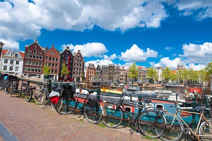 Poster Amsterdam ist die bevölkerungsreichste Stadt des Königreichs der Niederlande.