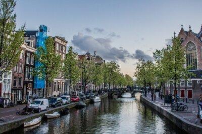 Amsterdam-Kanal am Abend