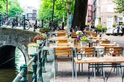 Amsterdam, Niederlande - 23. Mai 2018: Restaurant in Amsterdam, Niederlande