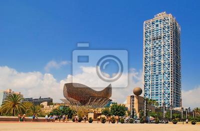 BARCELONA, Spanien - AUGUST 12: Hotel Arts und Mapfre Tower und Pe