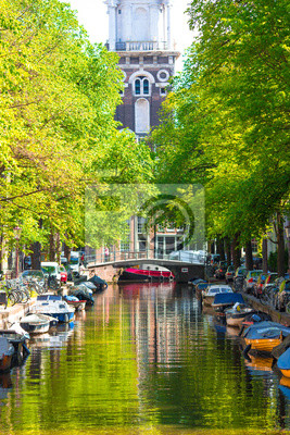Beautiful Groenburgwal canal in the old city of Amsterdam