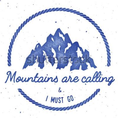 Poster Bergabenteuer und Expedition Abzeichen Sammlung. Outdoor-Expedition-Logo. Klettern gestempelt T-Shirt drucken. Hervorragende Aquarellvektorillustration.