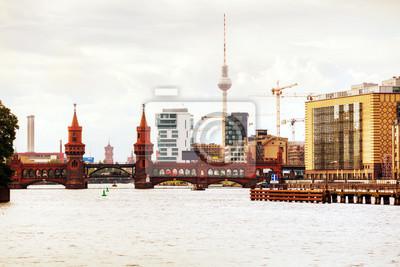 Berliner Stadtbild mit Oberbaumbrücke