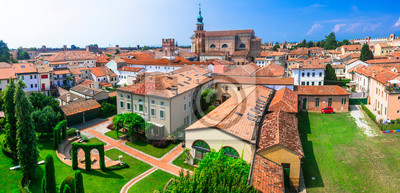 best places and landmarks of northern Italy - medieval Cittadella fortified walled town in Veneto