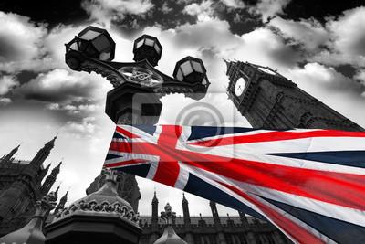 Big Ben mit bunten Flagge von England, London, UK